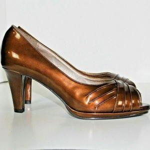 women's Soft Style bronze metallic heels pumps siz